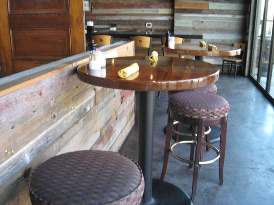 Sunspot Restaurant: Indoor seating