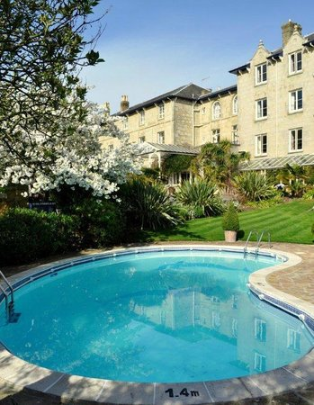 The Royal Hotel: Swimming Pool