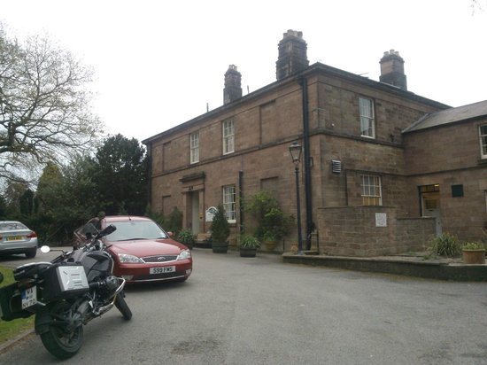 Alison House Hotel: Hotel Frontage