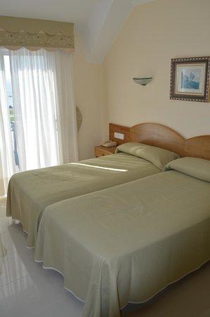 Hotel Pineiro: Habitación dos camas