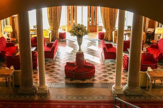 Grand Hotel Tremezzo: The entrance lobby