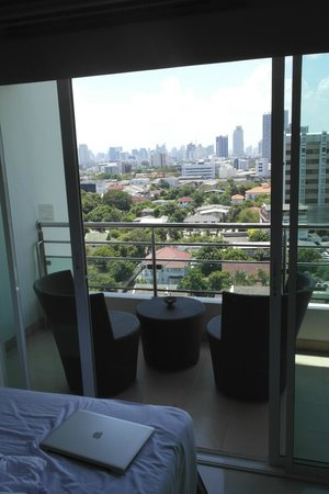 Viva Garden Serviced Residence: View outside