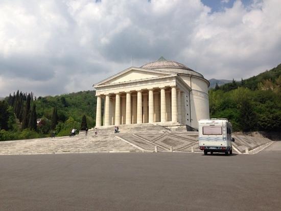 Possagno, Włochy: vista della facciata
