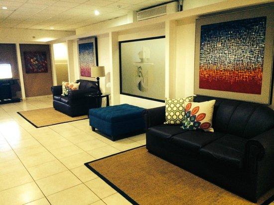 Hotel Residencial Cervantes: Remodelacion lobby