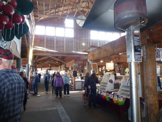 Paramount Hotel: Farmer's market in Olympia