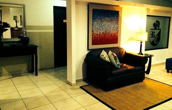 Hotel Residencial Cervantes: Pasillo habitaciones