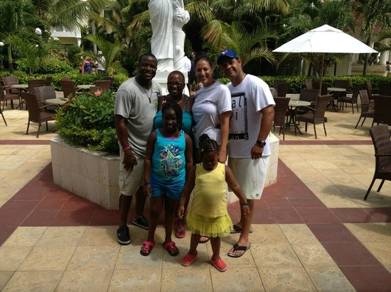 Luxury Bahia Principe Esmeralda Don Pablo Collection: Ola & her incredible family