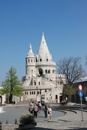 Carlton Hotel Budapest: Рыбацкий бастион похож на свадебный торт