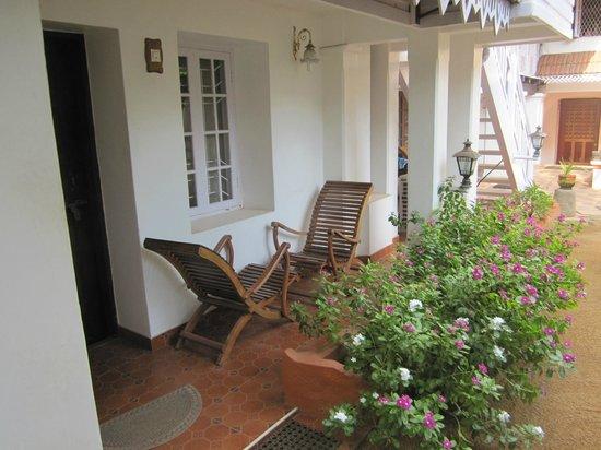 Delight - Fort Kochi: kleine eigene Terrasse im zauberhaften Innenhof