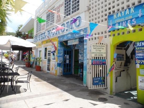 front of hotel kokomo, culebra