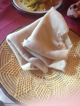 Pane tipico foto di africa ristorante tipico etiopico for Mangiare tipico a roma