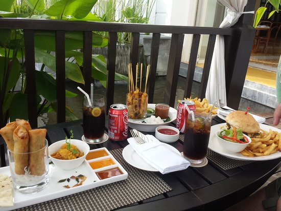 The Danna Langkawi: Lunch under the canopies by the pool