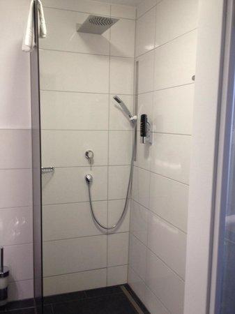 Hotel Central: Banheiro