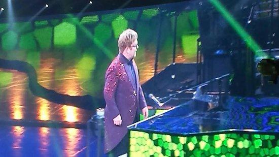 Elton John - The Million Dollar Piano: Crocodile Rock!