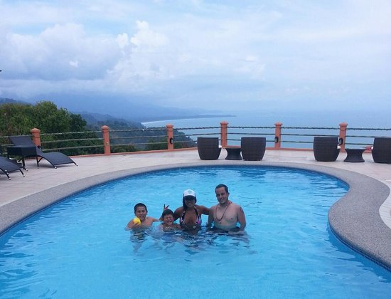Villas Alturas: Family Time @ the Pool