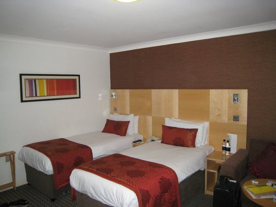 Chambre picture of strand palace hotel london tripadvisor for Chambre london