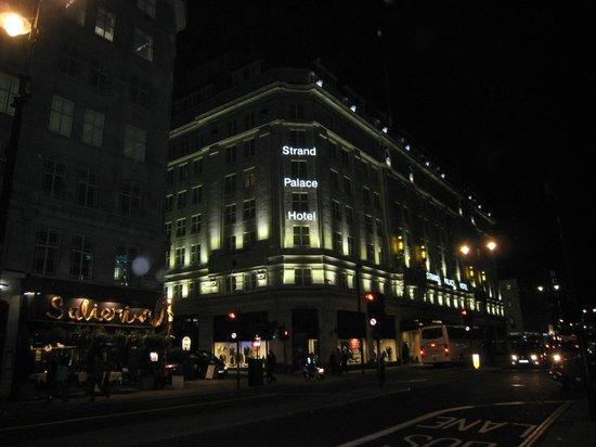 Strand Palace Hotel: Vue extérieure hôtel