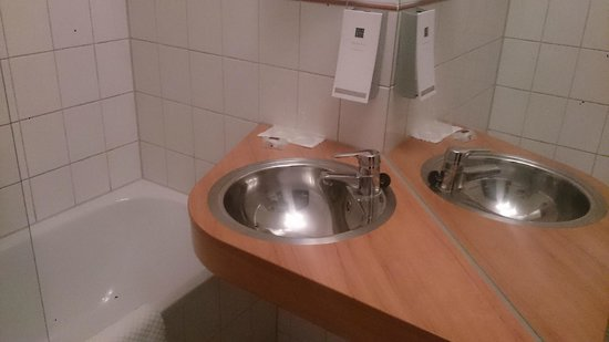 Hampshire Hotel - City Groningen: Bathroom