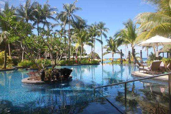 Shangri-La's Boracay Resort & Spa : Main Pool