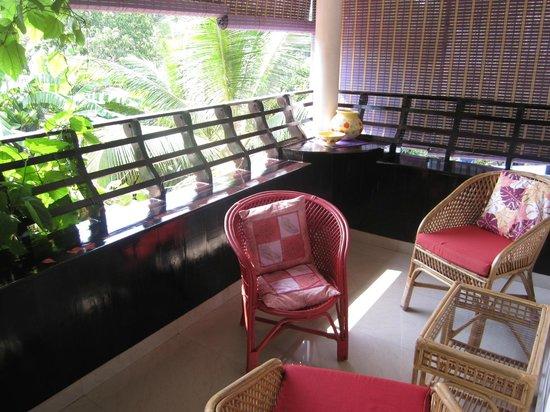 Bella Art & Meditation House: Balkon