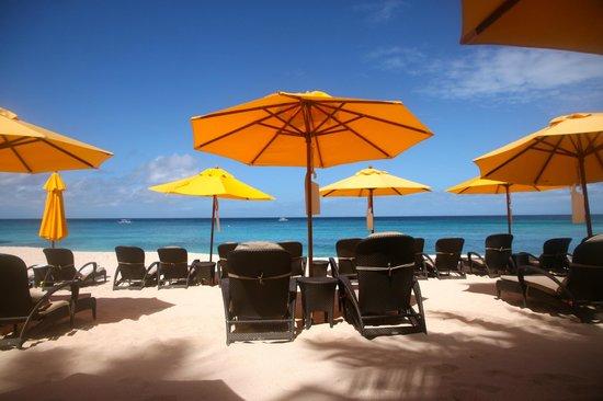 Shangri-La's Boracay Resort & Spa : Banyugan Beach