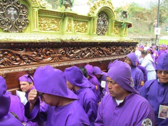 Aurora Hotel : Semana Santa Procession