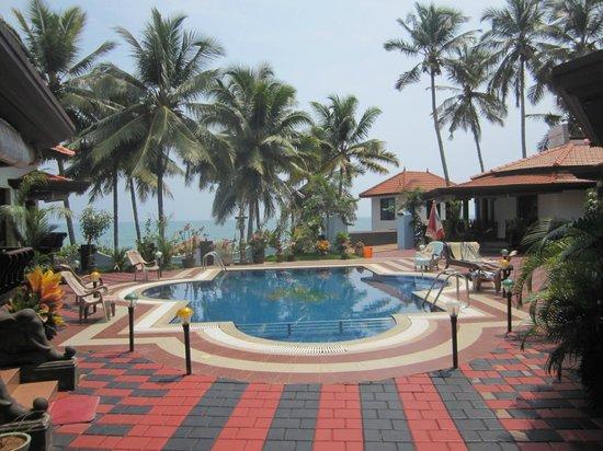 Samsara Harmony Beach Resort: Blick auf den Pool