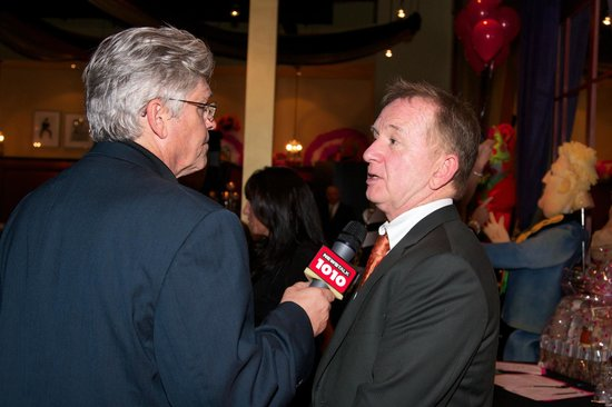 Famous People Players Dinner Theatre : Jerry Agar interviews Ron James at Famus PEOPLE Players
