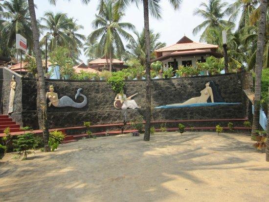 Samsara Harmony Beach Resort: Deko im Rastaurant