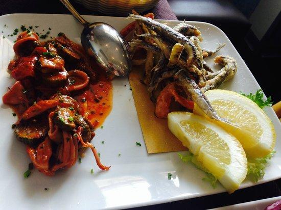 Al Solito Posto - Bacoli: alici fritte con verdurine e calamari con zucchine