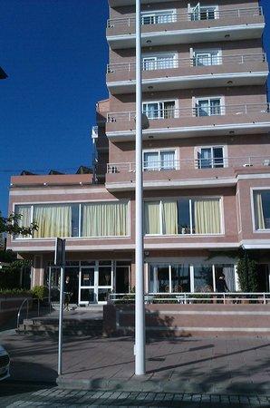 Hotel San Luis: fachada