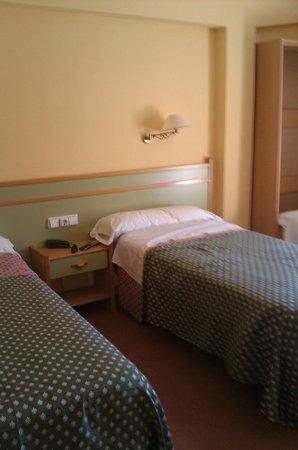 Hotel San Luis: Habitación