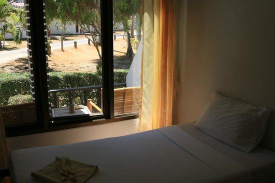 Klong Khong Beach Resort : вид из номера
