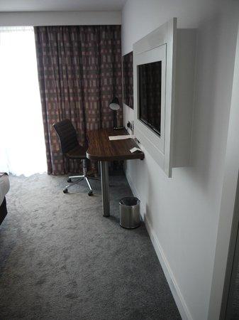 Holiday Inn Huntingdon Racecourse: In room entertainment