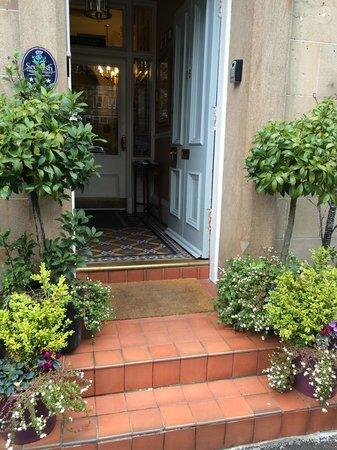 Albyn Townhouse: Entry