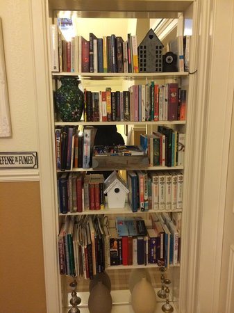 Albyn Townhouse: Book selection