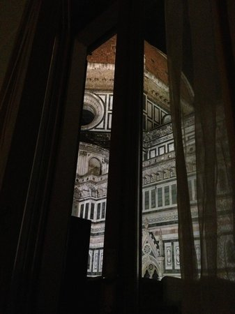 Hotel Duomo Firenze: The Dom from... your bed!