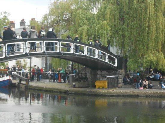 Camden Market: il ponticello di Camden