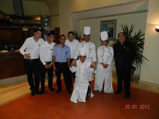 Royal Grand Sharm Hotel : Restaurant team