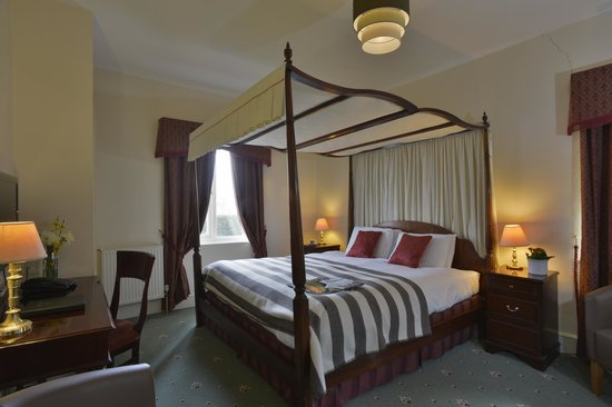 Taunton House Hotel: Four poster roon