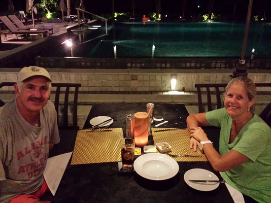 Le Meridien Koh Samui Resort & Spa: having dinner poolside