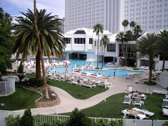 Tropicana Las Vegas - A DoubleTree by Hilton Hotel : View from Room