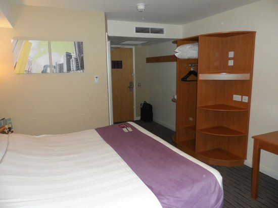 Premier Inn Durham City Centre: Room