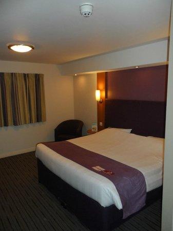 Premier Inn Durham City Centre : Room/bed