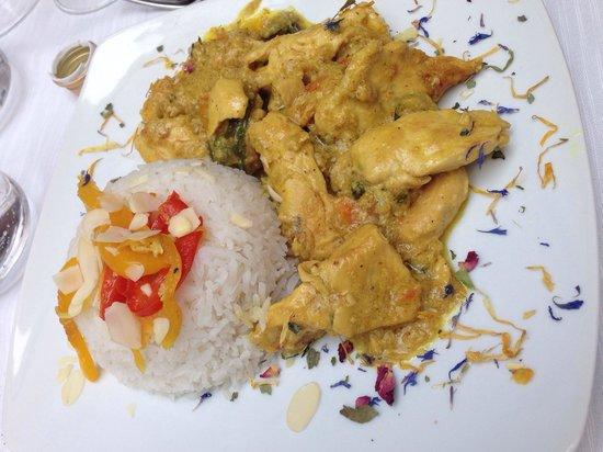 Osteria moderna Lucone Vino e Cucina : Pollo al curry e riso basmati