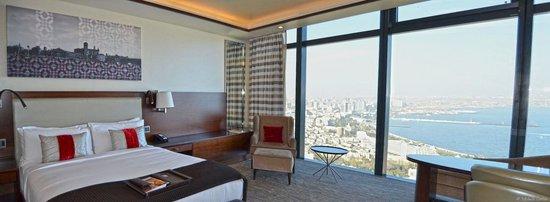 Fairmont Baku : King Room with Caspian View