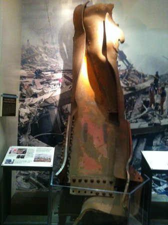 9/11 Tribute Museum : see more, learn more