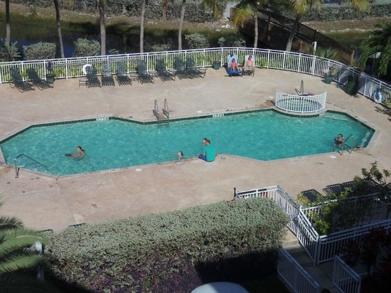 Sunrise Suites Resort: Pool