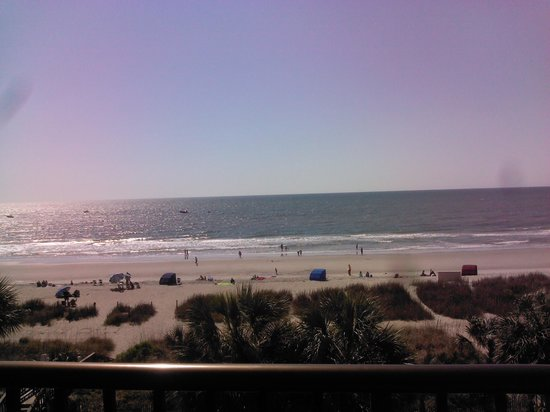 Sea Crest Oceanfront Resort: Picture of the view from the morning.