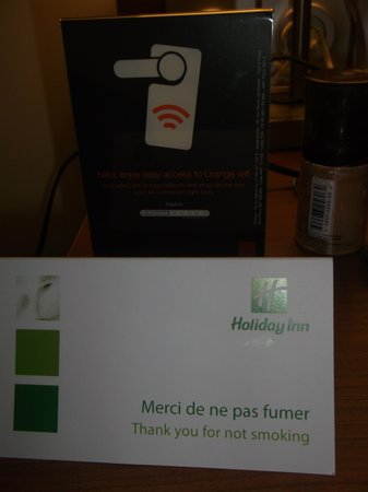 Holiday Inn Paris Marne La Vallee: shield